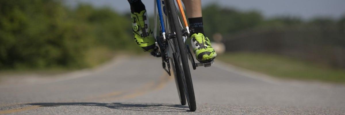 consejos para circular por carretera en bici